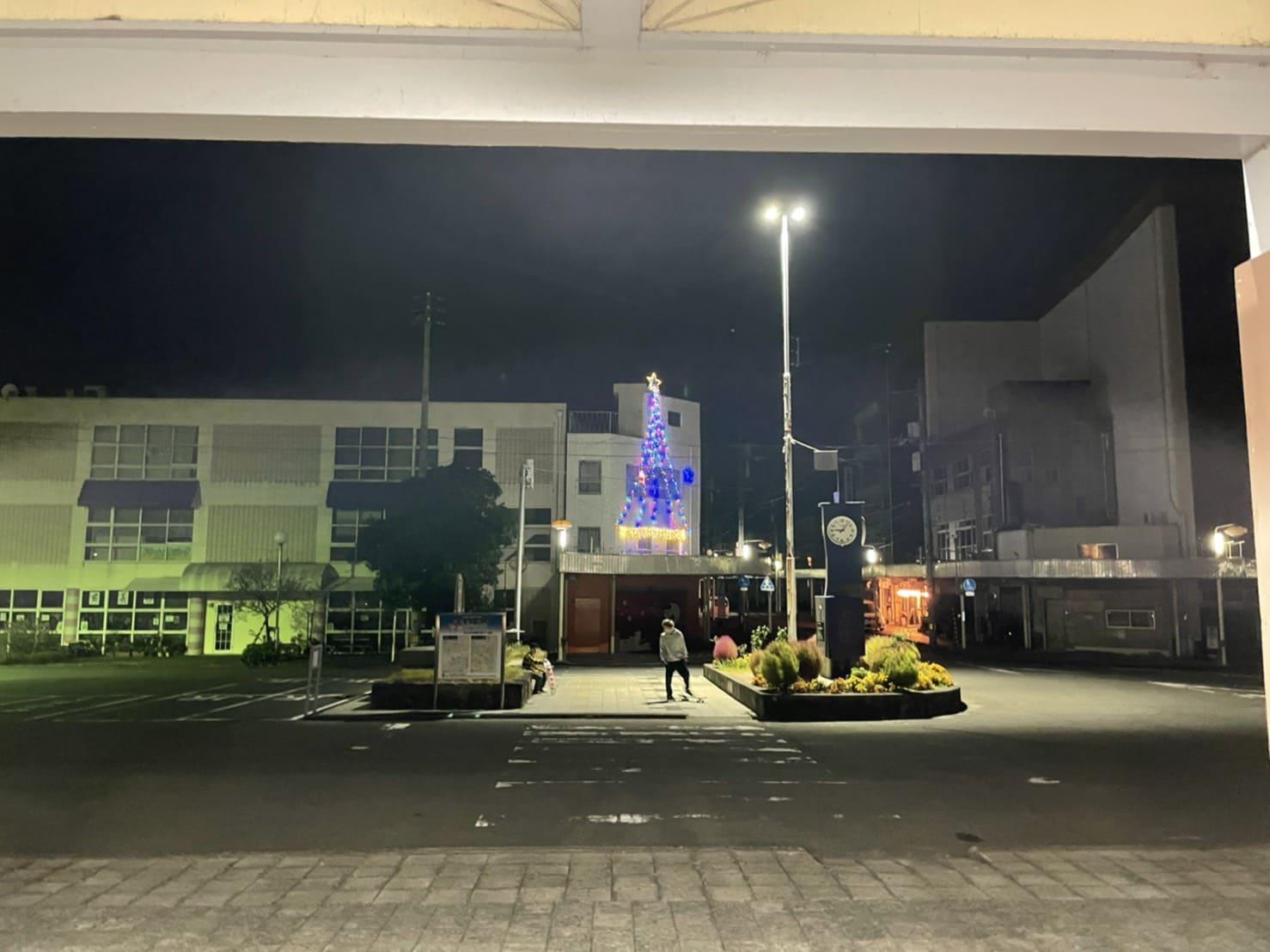 写真:鴨島駅前のイルミネーション
